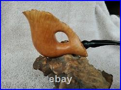 Freehand Tobacco Pipe Briar Freehand MFA-13 fits in your hand like a glove